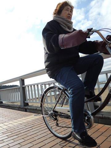 江の島弁天橋を渡って(1)